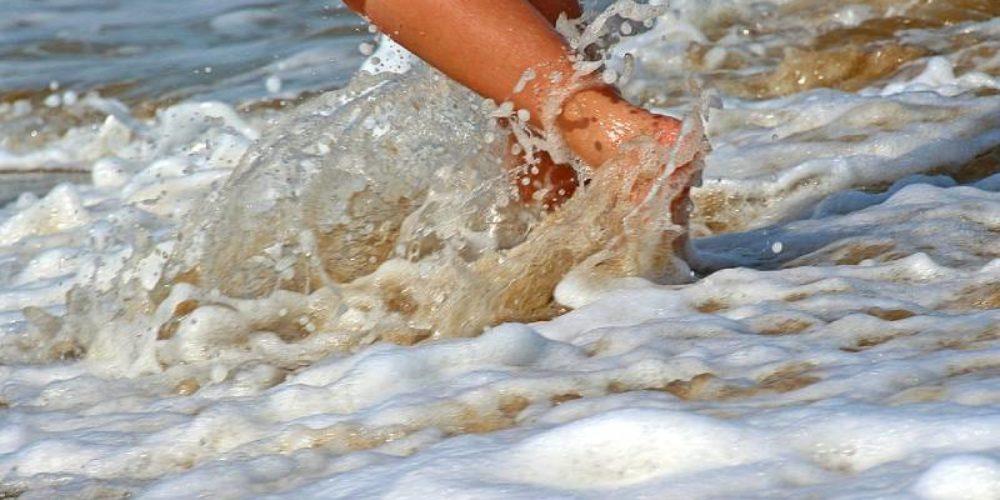 Le contrôle qualité des eaux de baignade vers Arles (13) : réglementation et sécurité | 07 85 59 30 30